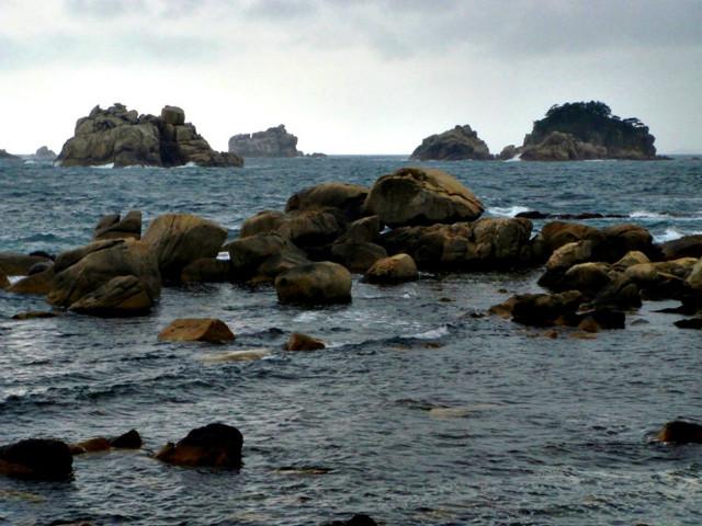 해금강 해안 구름에 달가듯이 가는 나그네2.jpg