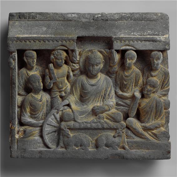 초전법륜상 간다라 2세기  파키스탄   높이28.6cm x 너비31.1cm x 두께 5.1cm 뉴욕 메트로박물관 소장.jpg