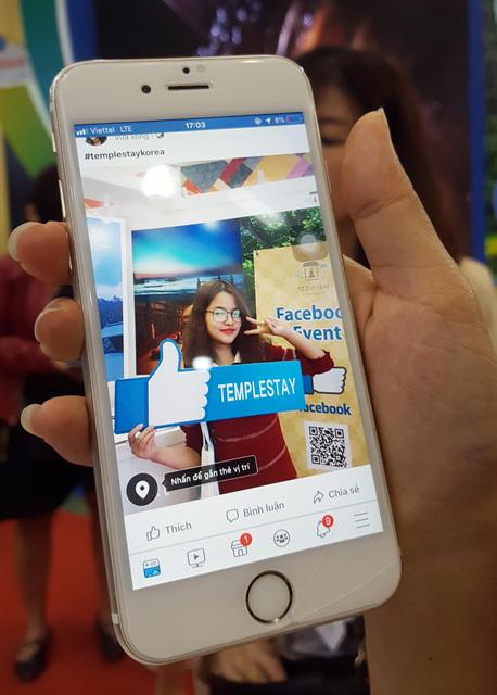 2019 하노이 국제관광박람회 템플스테이 부스를 찾은 베트남 사람들  (3).jpg