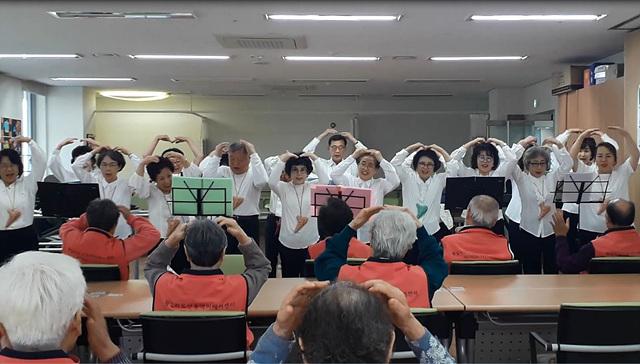 도미솔동아리 봉사공연.jpg