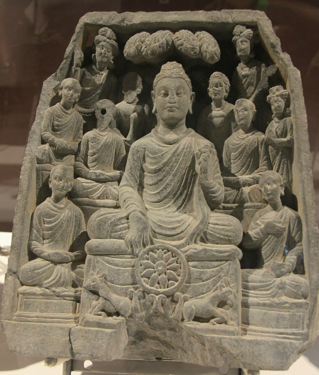 1200px-Gautama_Buddha_first_sermon_in_Sarnath.jpg