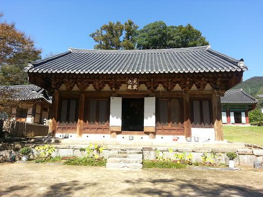 김제 모악산 귀신사.jpg