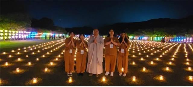 삼천 평안등 밝히기 템플스테이에 동참한 참가자들 (2).jpg