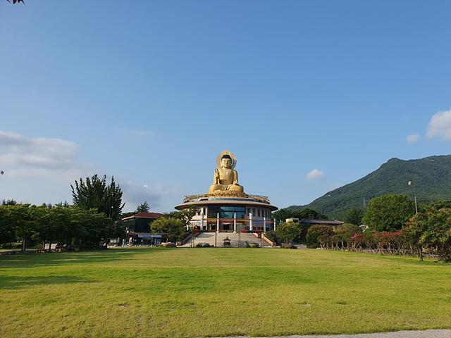 부산 홍법사 전경 사진.jpg